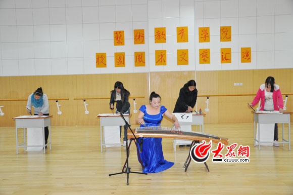 济南幼高专艺术学院举办第二届校园风采文艺汇演图片