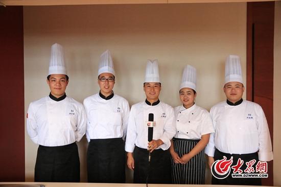 来自青岛酒店管理职业技术学院的徐方琛、于贵宾、刘业萌、刘伟、