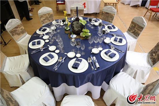 中餐宴会摆台,餐巾折花