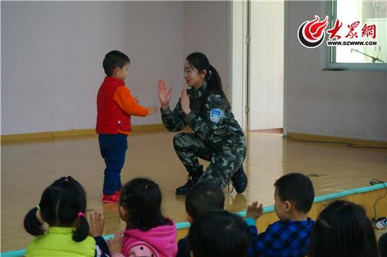 济南市育贤第二幼儿园开展普法宣传活动