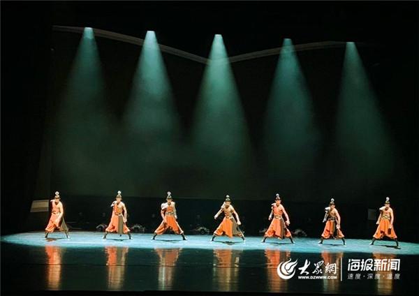 济南艺术学校群舞《东城决》获全国第六届中小学生艺术展演一等奖