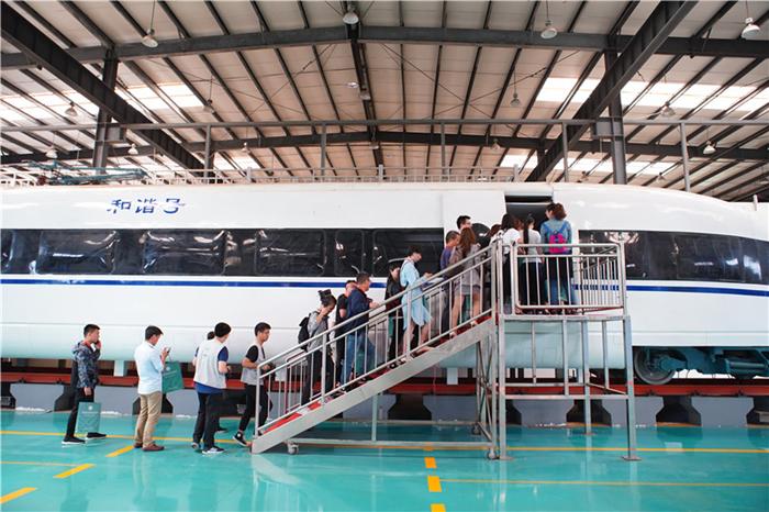 武汉铁路职业技术学院:授人以渔 不断进取