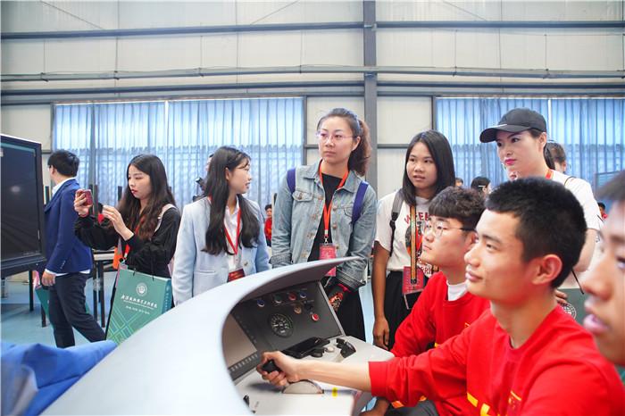 武汉铁路职业技术学院:怀揣匠心 走向高质